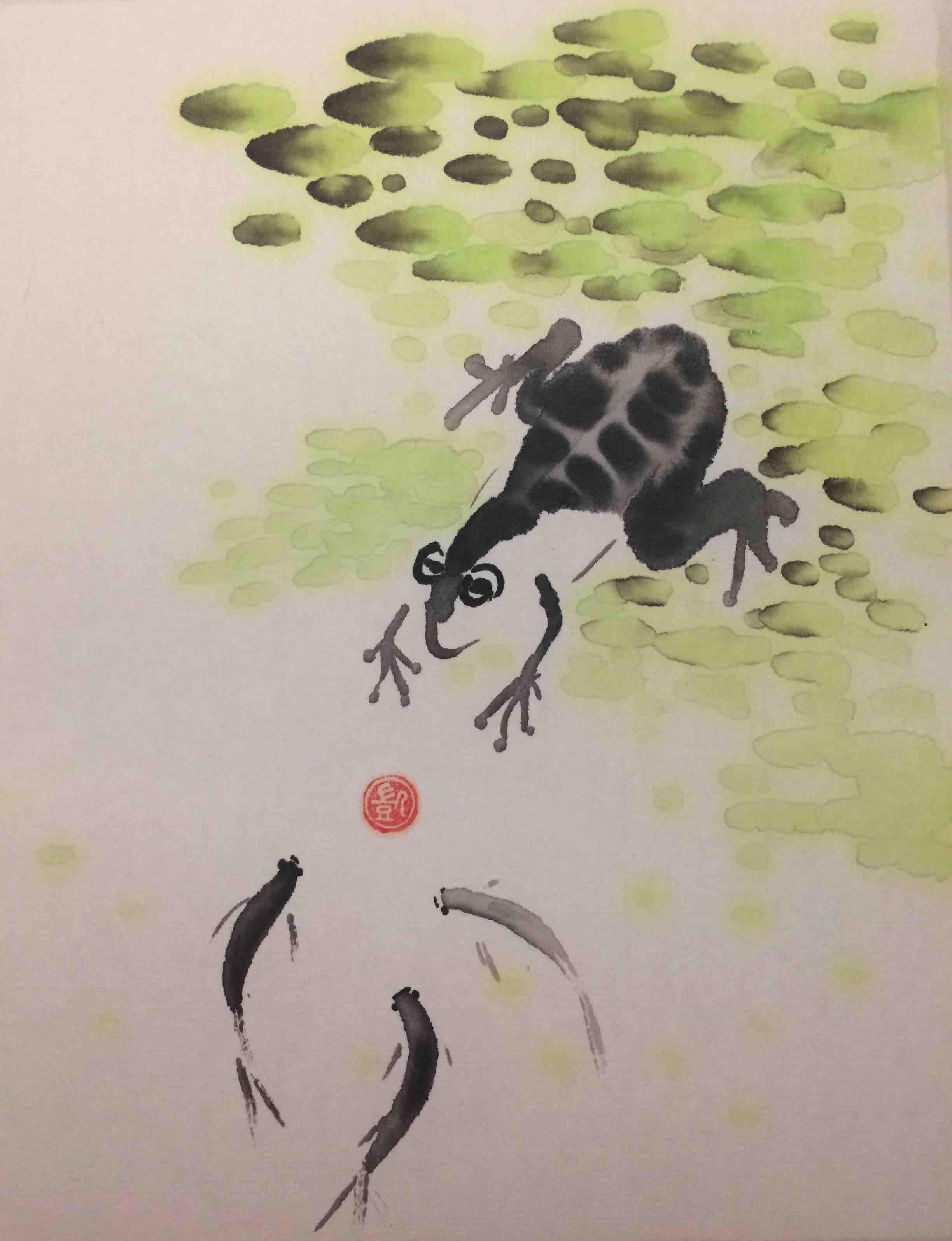 Frosch spielt mit Fischen