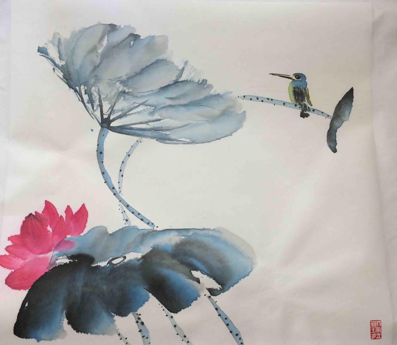 Lotusblume im Wind mit Eisvogel