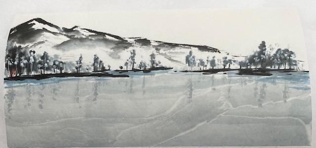 Winterberge mit stillem Wasser